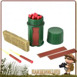 Boite de 12 allumettes tempête et 3 briquettes Sweetfire Uco Gear pour l'allumage d'un feu de camp bushcraft