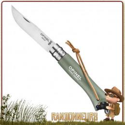 Couteau manche en bois de charme fermant Opinel 6 VRI vernis Vert Sauge de 9.3 cm avec lacet cuir